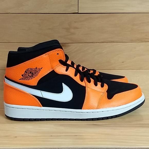 b7bbc4c82e7e Air Jordan 1 Mid Size 14 Black Orange 554724-062